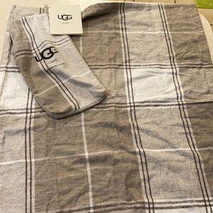 UGG standard pillow sham